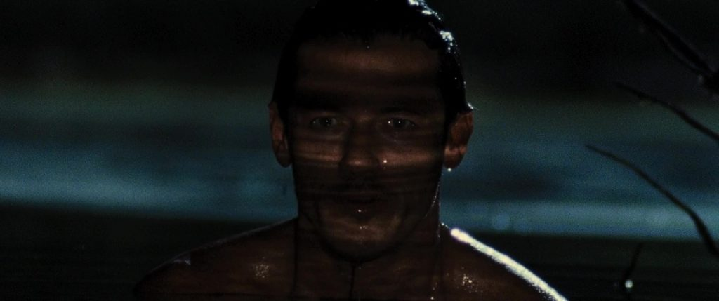 Luke Evans Naked in No One Lives