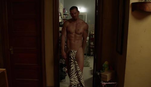 Steve Howey Nude on Shameless
